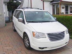 2010 Chrysler Town & Country RTYP53 Fourgonnette, fourgon