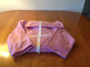 Pink Fleece Snuggie with Sleeves and Pocket – BRAND NEW