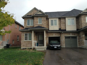 3Bed 3Bath Whole semi Detached in Aurora Wellington/Bayview Rent
