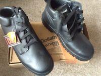 Goliath steel toe cap boots brand new