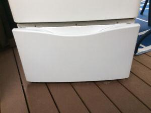 2 bases de laveuse sécheuse frontale blanc