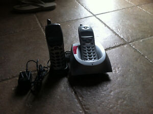 5.8GHZ two hand sets telephone Kitchener / Waterloo Kitchener Area image 1
