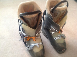 Salomon Performance 3 Ladies Downhill Ski Boots For sale