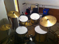 Pearl Forum Drum Kit in rare Zenith Gold finish