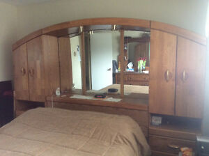 Solid wood headboard with mirror and side towers