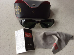 RayBan sunglasses in excellent condition
