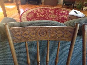 Jolies chaises antiques avec coeurs West Island Greater Montréal image 4