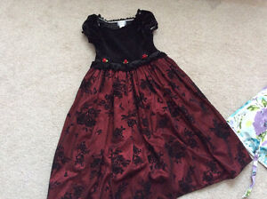 Girls beautiful party dresses 7-9 years old London Ontario image 2