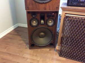 Sansui sp 5500x  celestion ditton 250 speakers
