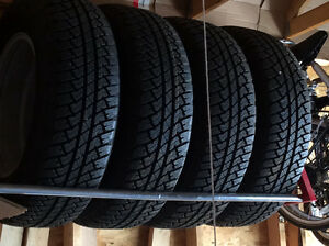 NEVER USED 255/70R18