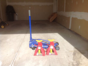 Snap-On axle stands and 3.5 ton Michelin jack