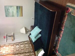 King/queen size bedroom set