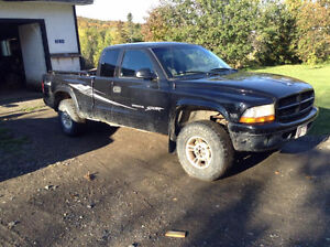 2004 Dakota Parts (Auto Trans/Tansfer Case/ Interior)