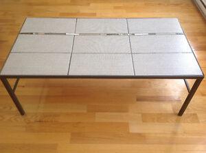 Table en fer forgé dessus céramique