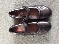 New Clarks Air girls school shoes size 2F £18
