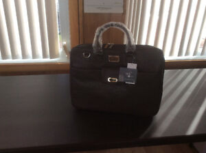 Laptop Briefcase / Sac pour Ordinateur Portatif