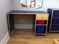 commode 3 tiroirs, bureau et chaise