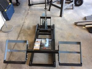 Brand new heavy duty garden tractor lift for sale