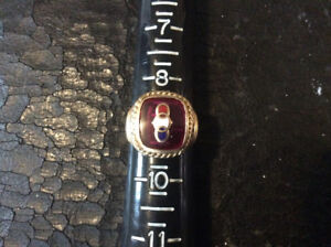 "VINTAGE MENS 10K GOLD ""ODD FELLOWS"" RING Size 9"