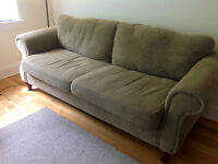 Excellent quality couch for SALE! Only $270 firm