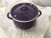 Enamel casserole hot pot dish purple/cream