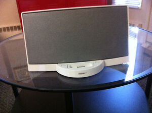 Bose Portable Sound Dock for iPod iphone with remote control