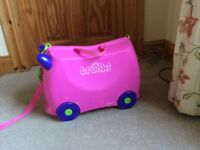Pink girls trunki