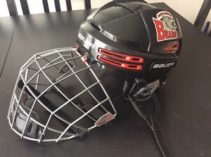 Bauer Re Akt 75 Helmet, Blk Red. CCM flat bar cage.