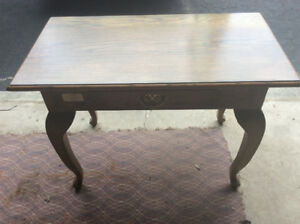 Beautiful, solid oak hallway accent table $95.00