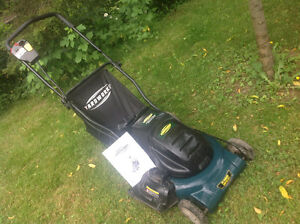Yardworks Cordless Rechargable Electric Lawn Mower