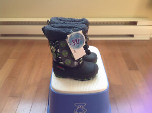 New winter boots ,size 6