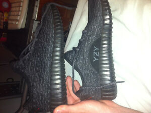 Yeezy Shoes Pirate Black Knockoff/Fake - Size 9 US