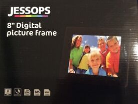 Jessops Digital 8 inch photo frame - great Christmas Gift!