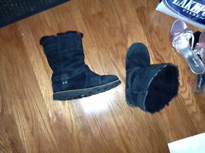 Ladies Genuine UGG boots size 7 for sale London Ontario image 1