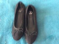 Ladies shoes black new with label size 3