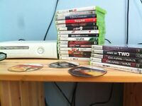 XBOX 360 WITH 20+ GAMES WORKS PERFECTL