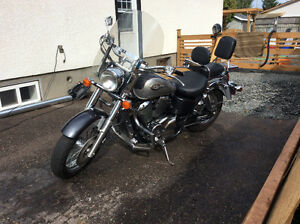 2004 Honda shadow American Touring Edition-Excellent Condition