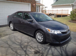 2014 Toyota Camry LE 102,500km Bluetooth, backup camera
