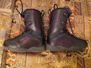 Five Forty kids snowboard boots