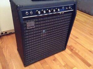 Amplificateur ROLAND GA-30  Hauteur 19 po x 17 po larg