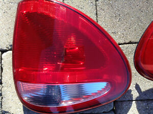 TAIL LIGHTS - 2004 DODGE MINIVAN Windsor Region Ontario image 2
