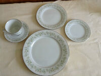 Noritake China 7 place setting plus 2 serving dishes
