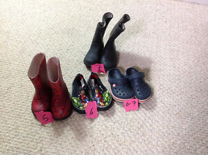Various boy shoes size 5-7 London Ontario image 1