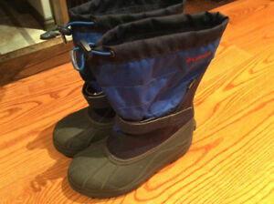 Columbia Winter Boots Boys/youth Size 5 - Excellent