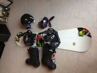 Men's snowboard and accessories