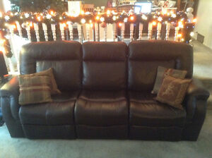 Palliser Leather Reclining Couch Strathcona County Edmonton Area image 1