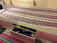 Single pink cabin bed