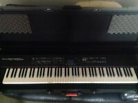 Roland RD700SX Keyboard + Gator Hard Case NOW REDUCED!
