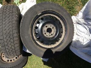 4 winter tires & rims for sales. 4 pneu d'hivers sur jantes