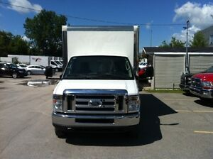 2014 Ford E-450 CUBE 16 PIEDS AVEC TAIL GATE